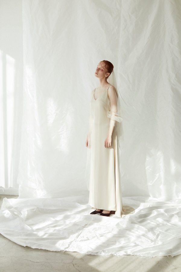 Coming soon/Sustainable tulle raglan sleeve over gown(Nude)