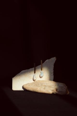 Baroque pearl stick earrings(GLD)